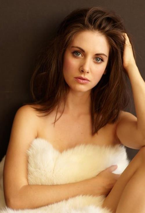 alison brie leaked