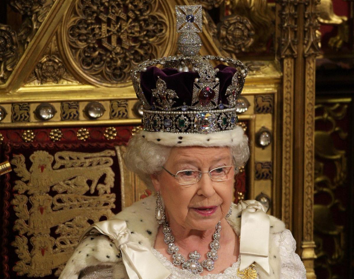 Elizabeth II-V19
