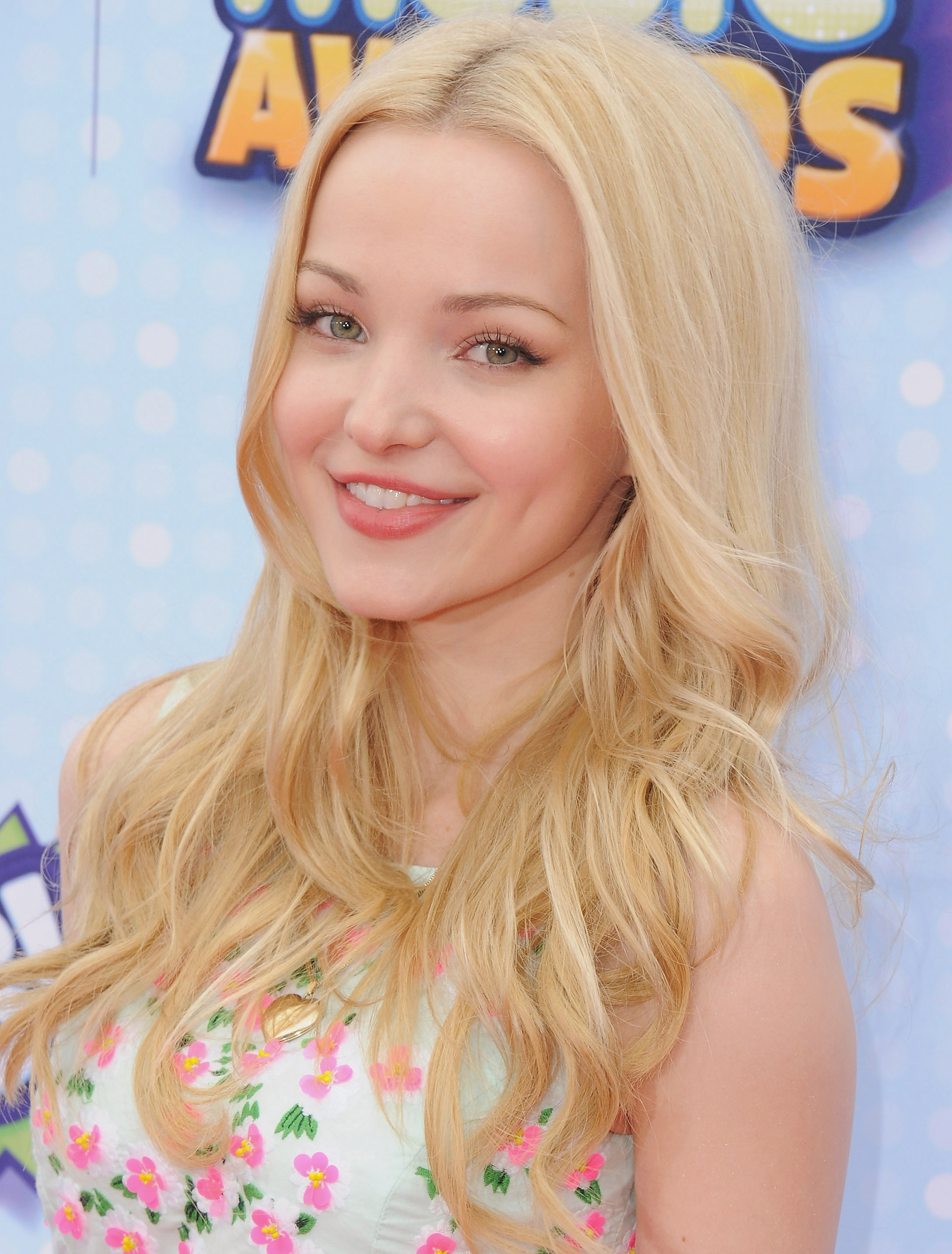 dove cameron phone number