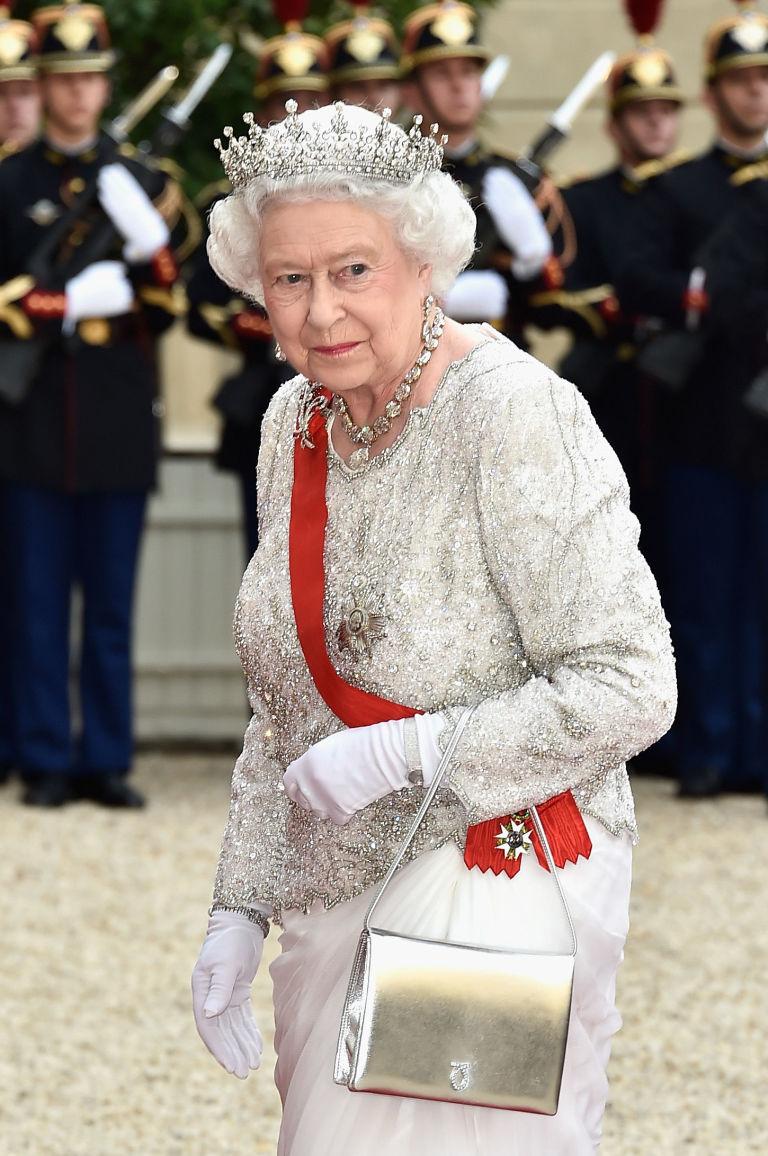 Elizabeth II-V27
