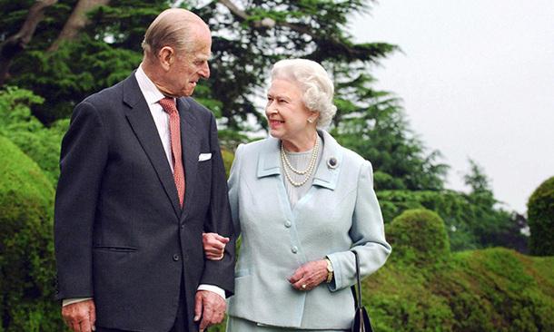 Queen Elizabeth II-V47