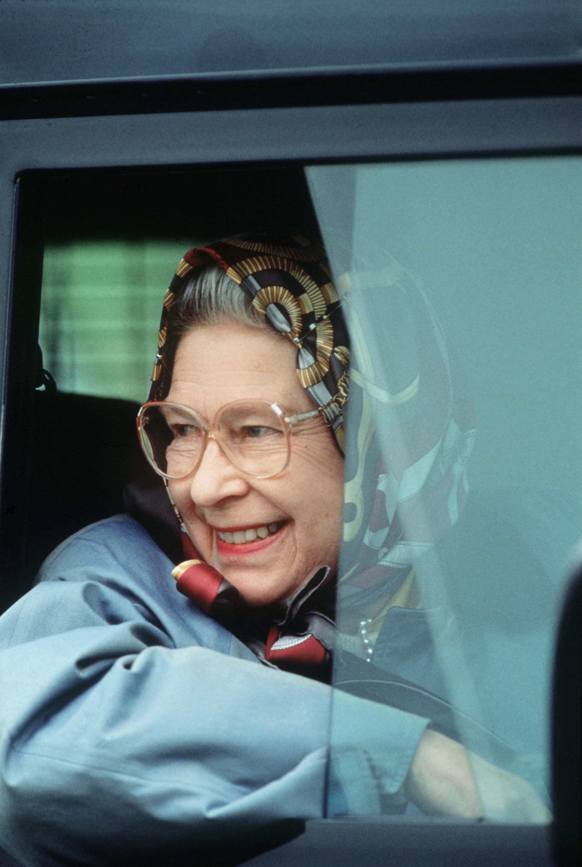 Queen Elizabeth II-V51