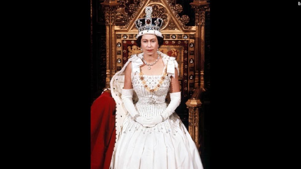 Elizabeth II-V12