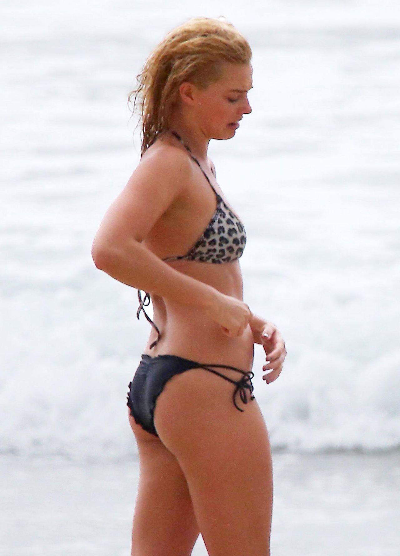 Margot Robbie Shows Off Her Bikini With Her Boyfriend Tom