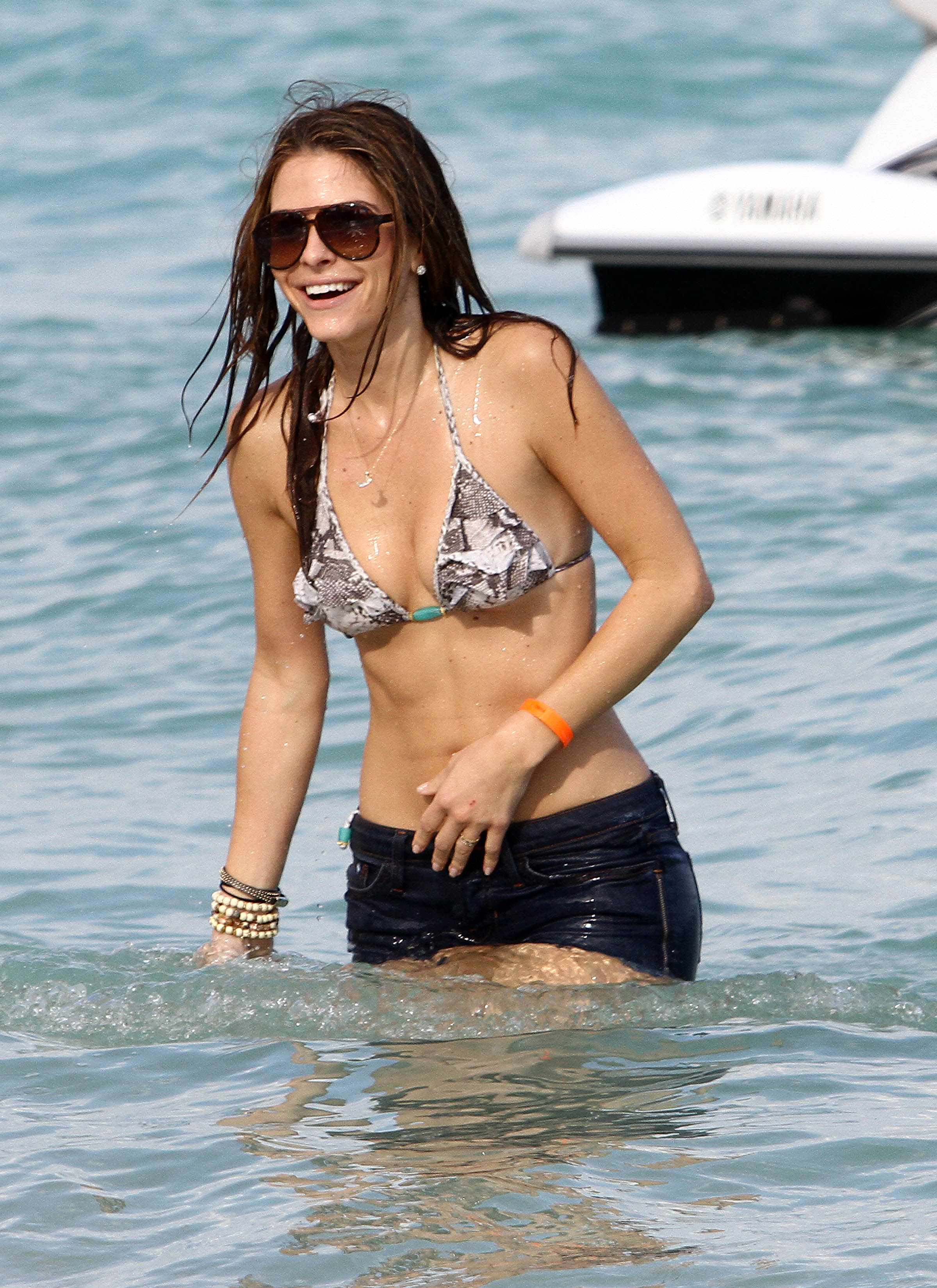 maria menounos howard stern