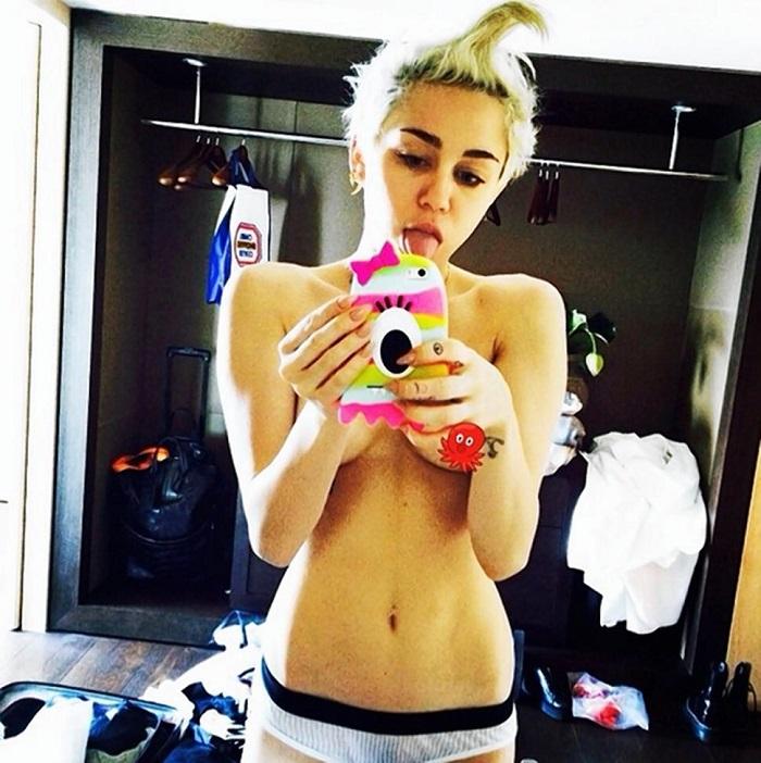 Miley Cyrus- celebrity selfies tumblr