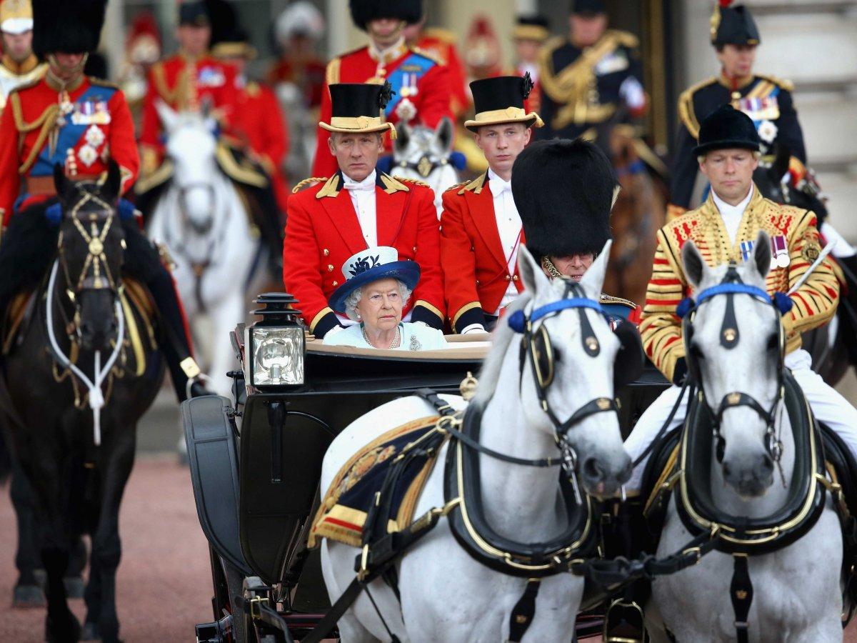 Queen Elizabeth II-V57