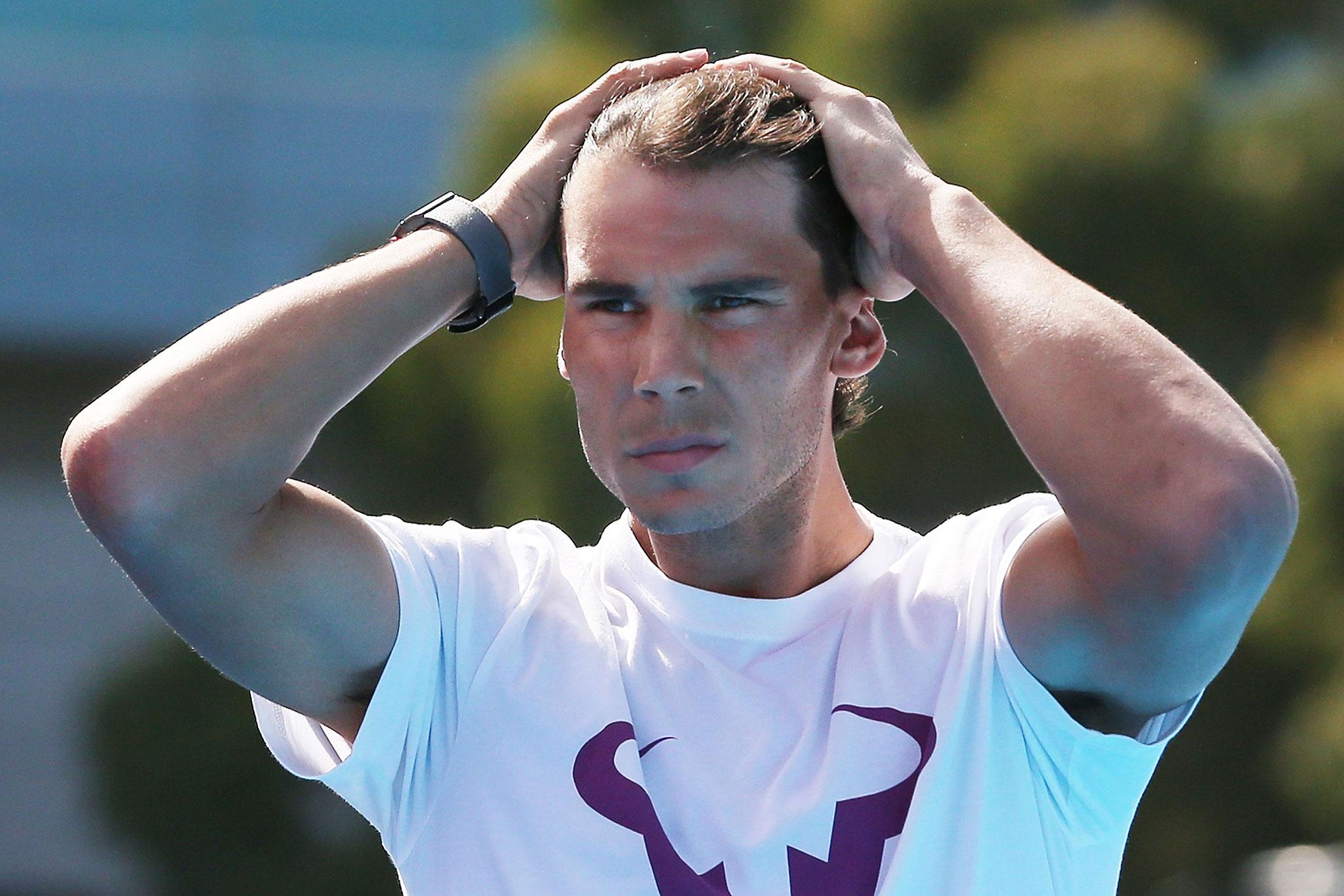 Rafael Nadal Parera est un joueur de tennis espagnol professionnel depuis 2001 né le 3 juin 1986 à Manacor sur lîle de Majorque dans larchipel des Baléares