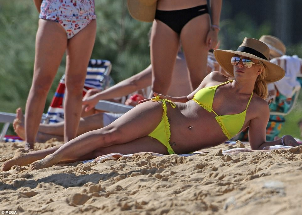 Britney Spears In Tiny Yellow Bikini