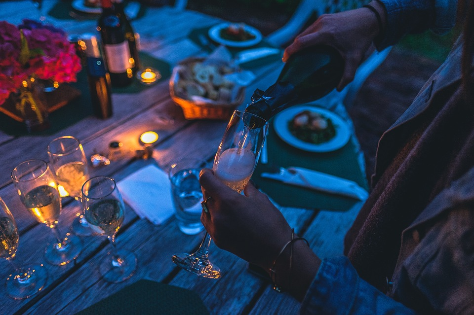 How To Survive A Restaurant Or A Dinner Party On A Diet