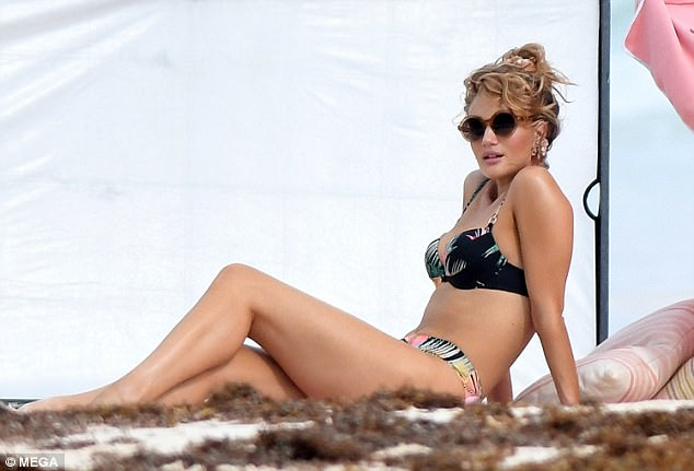 Rosie Huntington Whiteley Showcases Her Amazing Baby Body In Skimpy Bikinis