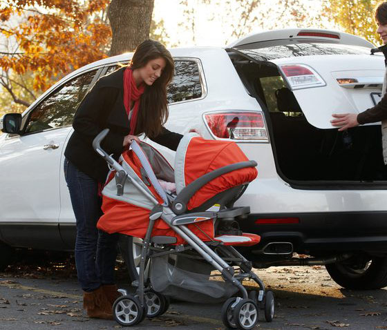 Tips to Travel with Car Seats and Strollers