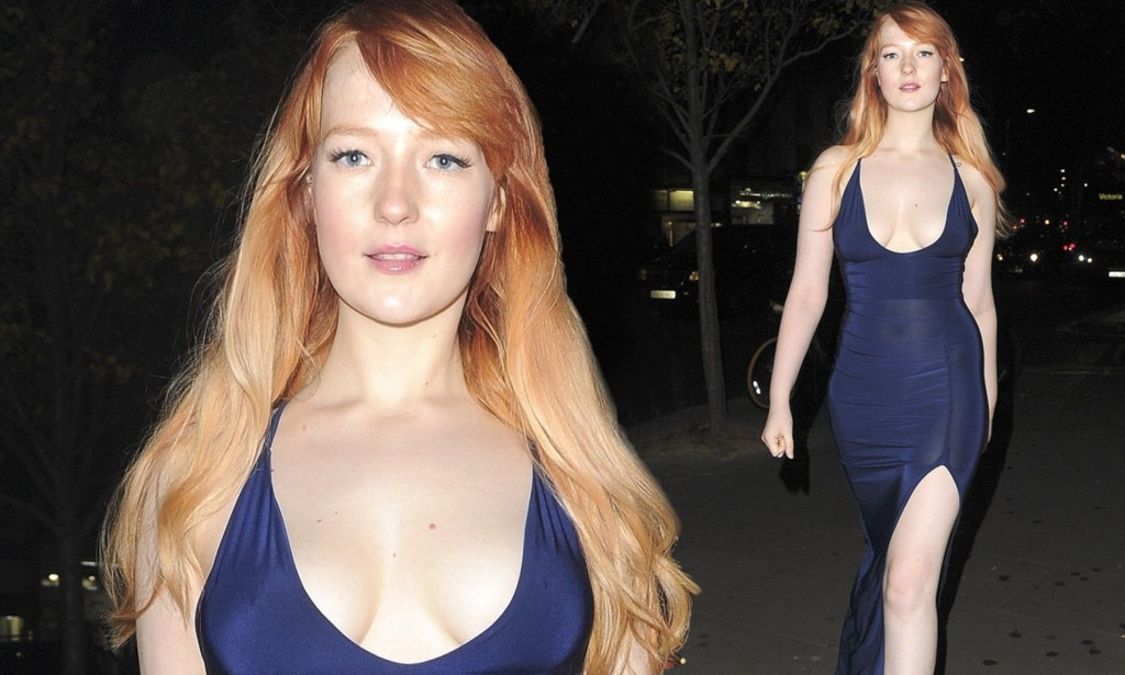 Victoria Clay Leaves Little To The Imagination As She Flashes Her Cleavage