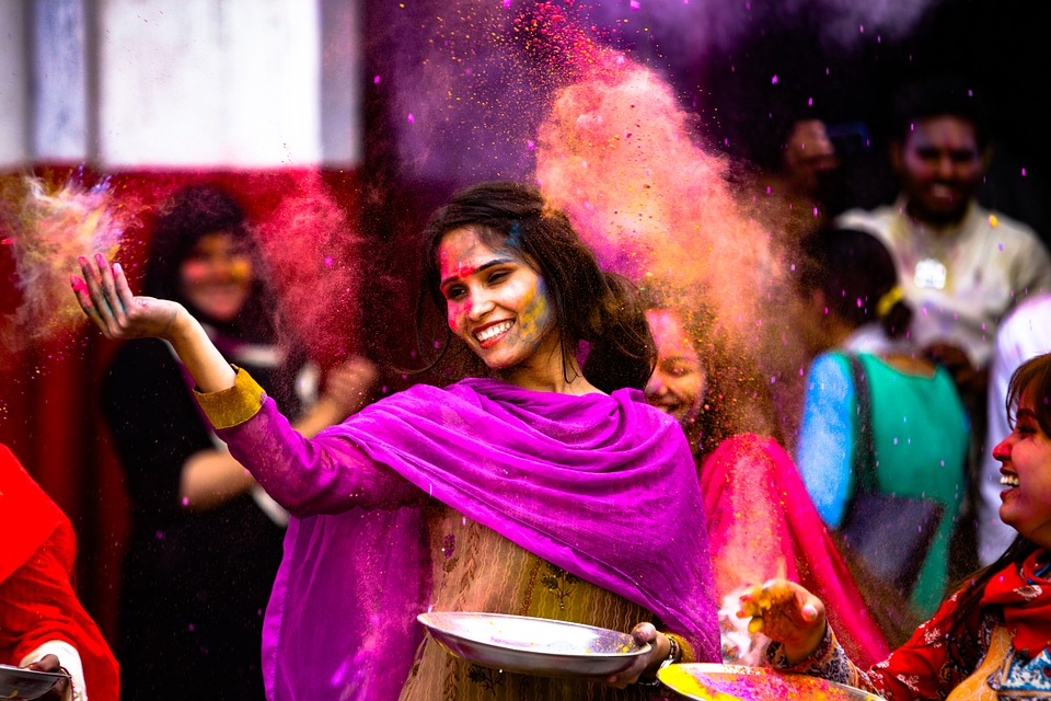 15 Tips For A Safe And Healthy Holi