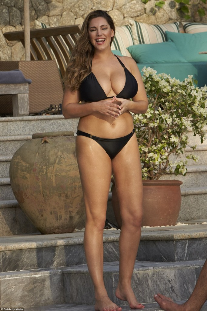 Curvaceous Kelly Brook Showcases Her Eye Popping Assets In A Very Skimpy Bikini