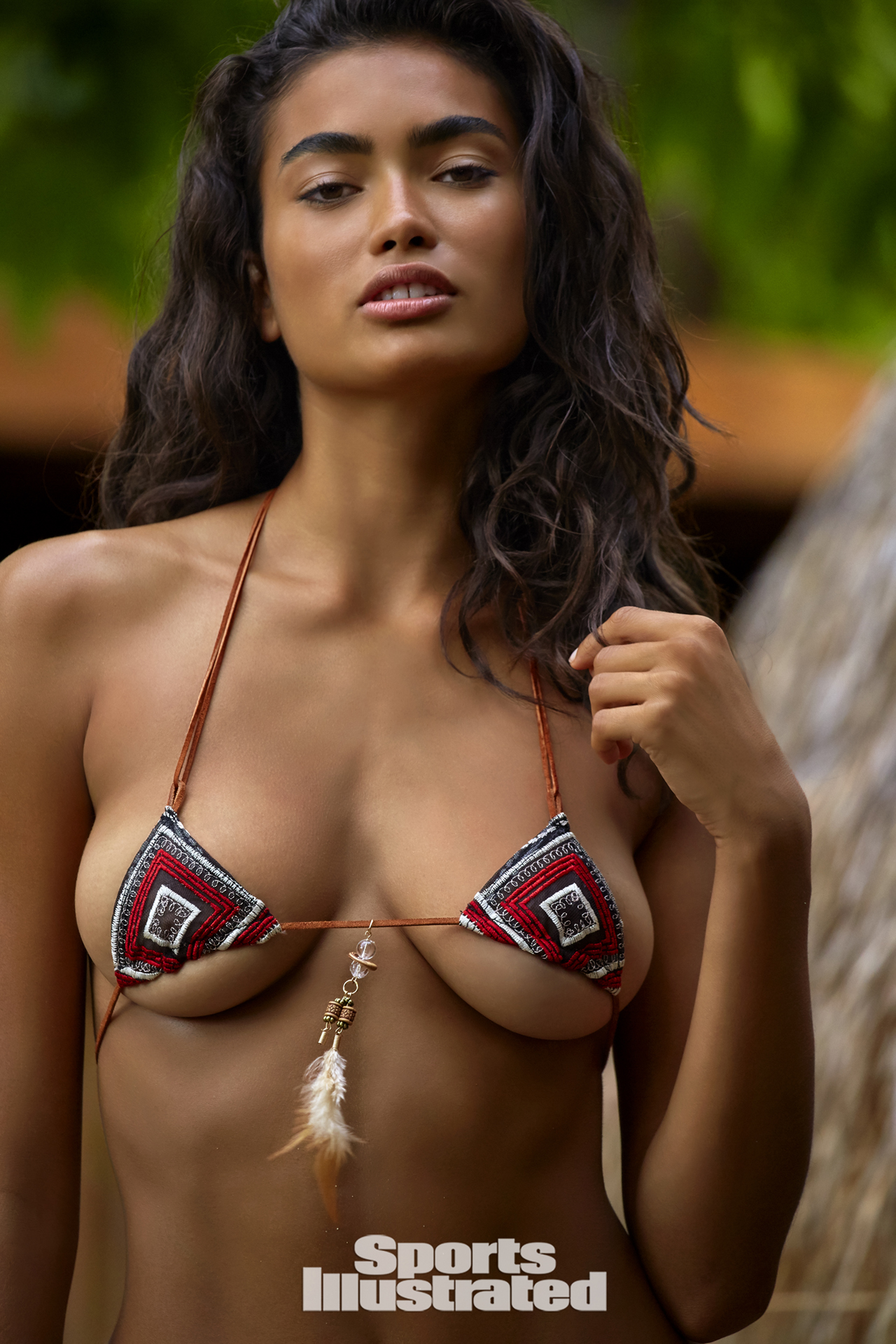 Hot Kelly Gale