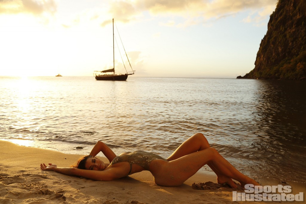Model Lauren Mellor's Behind The Scenes From The Sports Illustrated Shoot