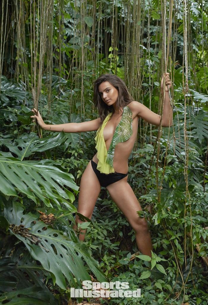 Swimsuit 2015: Hawaii Emily Ratajkowski NA/NA, Kauai, Hawaii 4/26/2014 X158020 TK2 Credit: Yu Tsai Swimsuit by: Indah