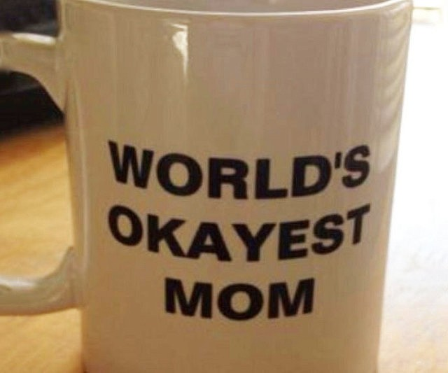 worlds-okayest-mom-cup