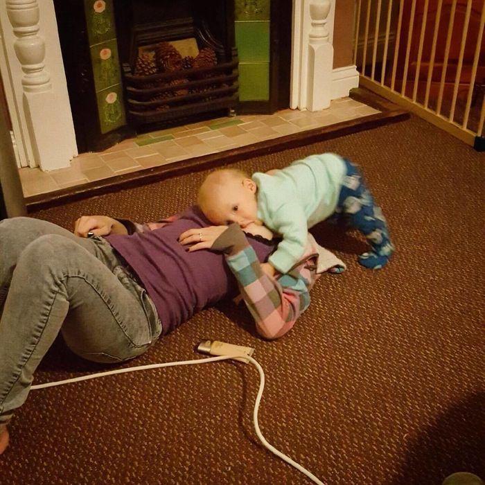 Breastfeeding Positions_11