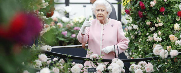 Queen Elizabeth Visits Chelsea Flower Show In First Public Appearance Since Royal Wedding