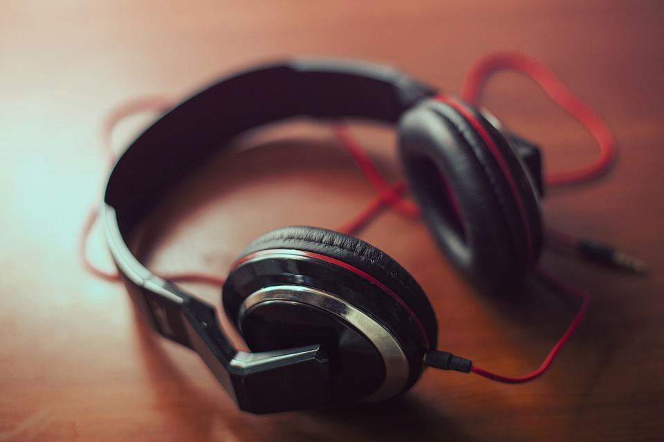 5 Facts As To Why Open Back Headphones Is Still The Natural Sound Maker