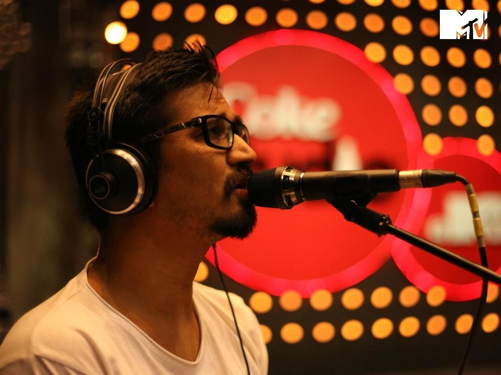 Know About Singer Amit Trivedi : His Net Worth, Career And Songs