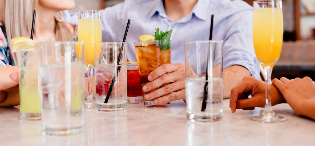 5 All Time Favorite Drinks To Offer To Your Guests