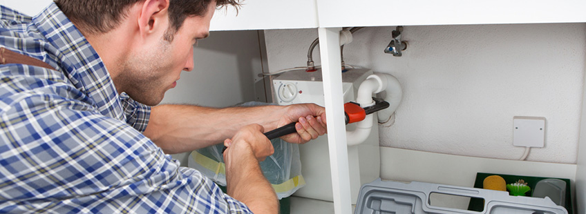 Plumbers Clean Drain Systems