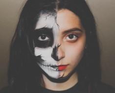 Dramatic Looks On Halloween