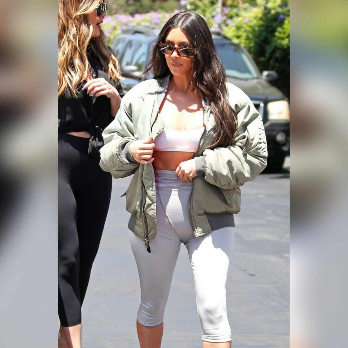 Kourtney Kardashian Cameltoe As She Leaves Workout In Calabasas