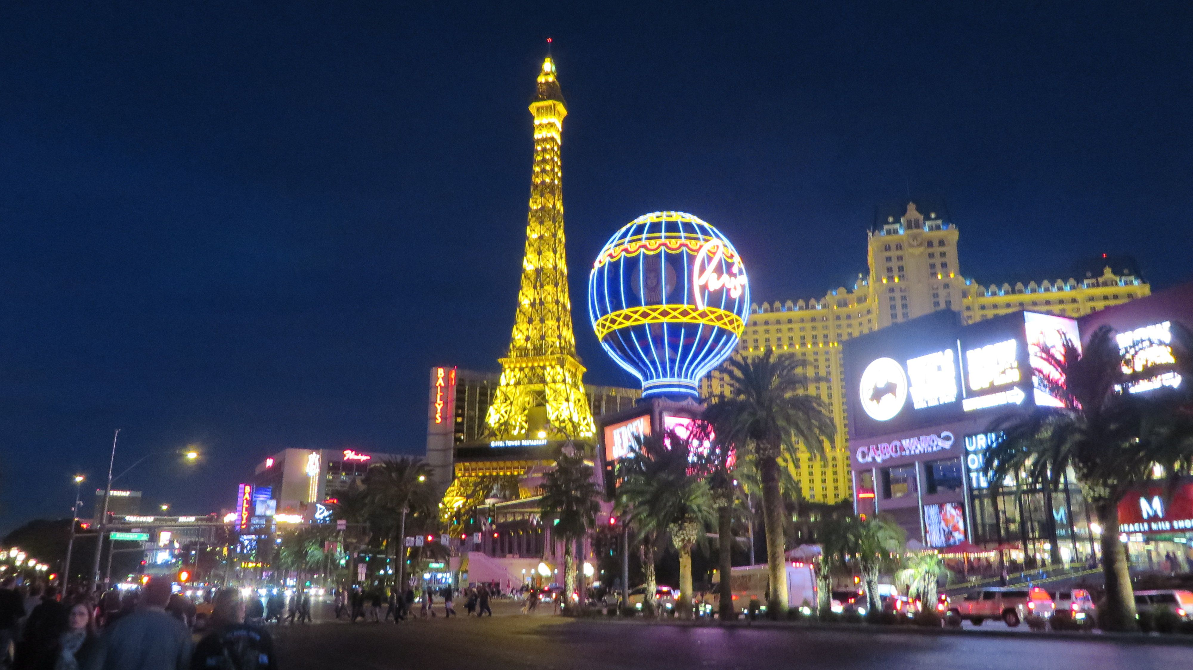 Stroll Around The Las Vegas Strip
