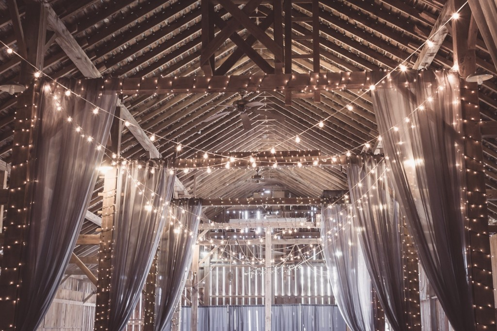 4 Guidelines On Choosing The Right Lighting For Your Wedding