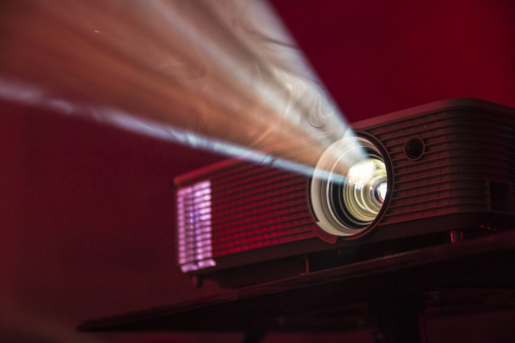 Short Throw Projectors That Are Worth Buying