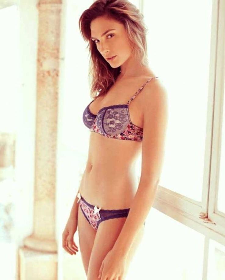 Gal Gadot Pics In Bikini_5