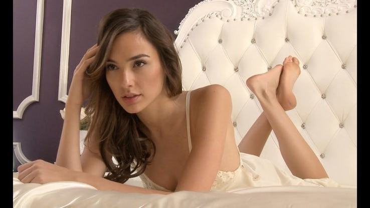 50 Hot Pics Of Successful And Famous Wonder Woman Gal Gadot