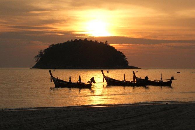 Tourist Destinations In Phuket- Kata Beach Night Diving