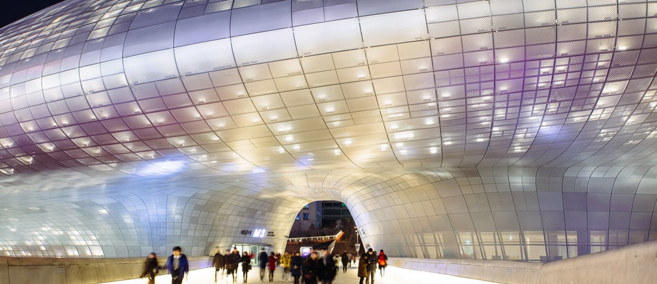 Dongdaemun Design Plaza & Park - Tourist Destinations In Seoul