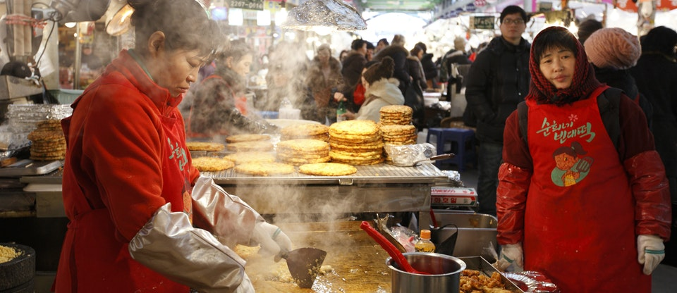 Gwangjang Market - Tourist Destinations In Seoul