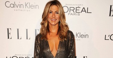 Jennifer Aniston Goes Topless, Talks About Ageing