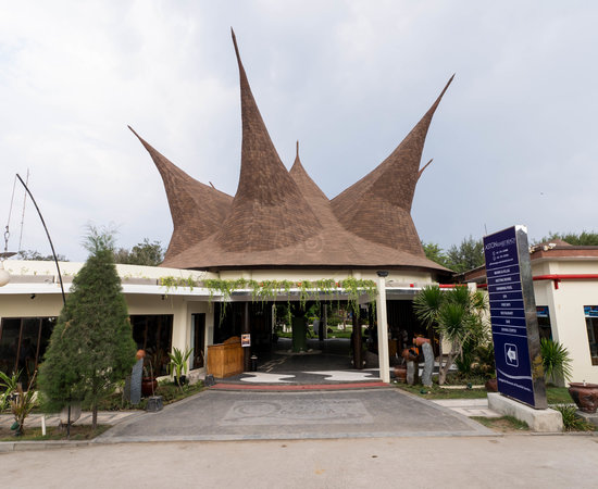 entrance--v10359218