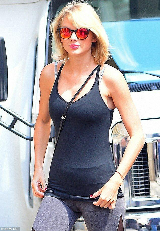 Celebrities- cameltoe_3 - Celebrities Do Not Want To Hide Camel Toes