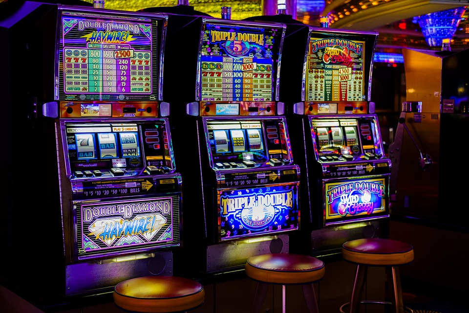 10 Facts About Slot Machines That Will Blow Your Mind