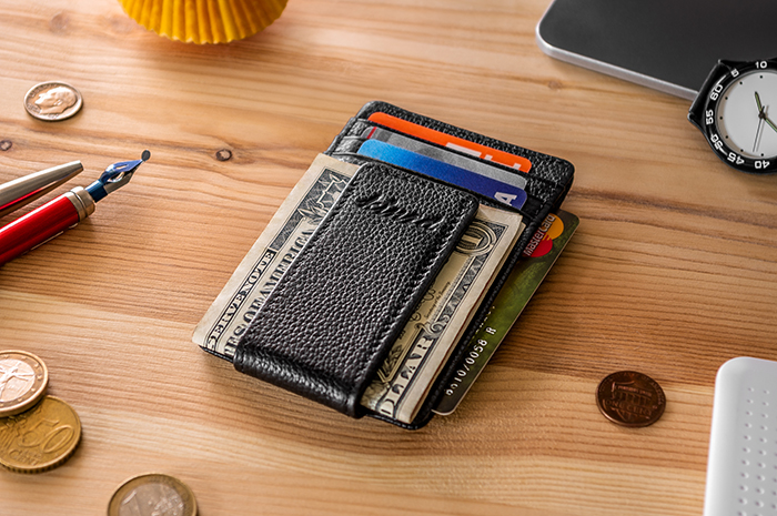 Use A Money Clip Wallet
