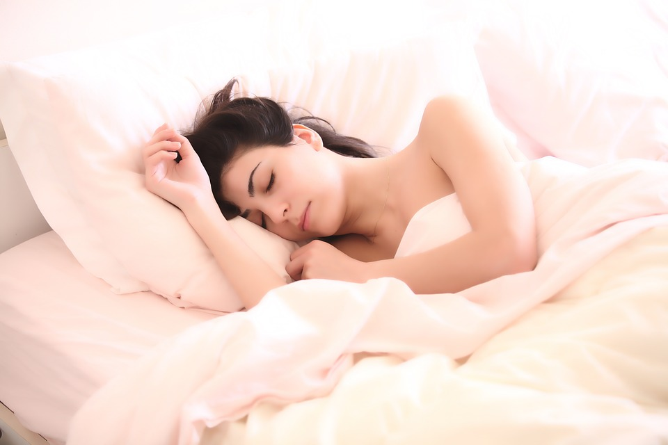 Incredible Reasons Why Every Girl Should Sleep Naked