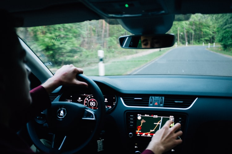 Tips To Choose GPS Tracking System For Your Car