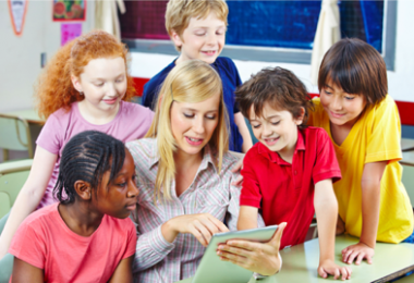 Digital Tools Make The Classroom Teaching More Colorful