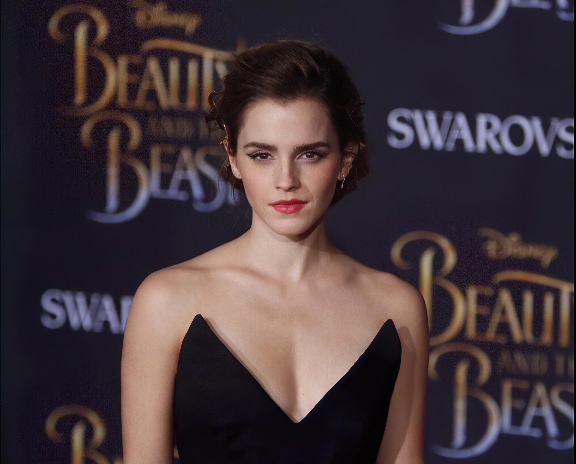 Emma Watson Sexy.jpg1