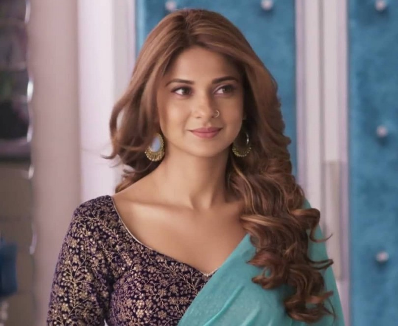 Jennifer Winget Age, Net Worth, Height, Family, Biography