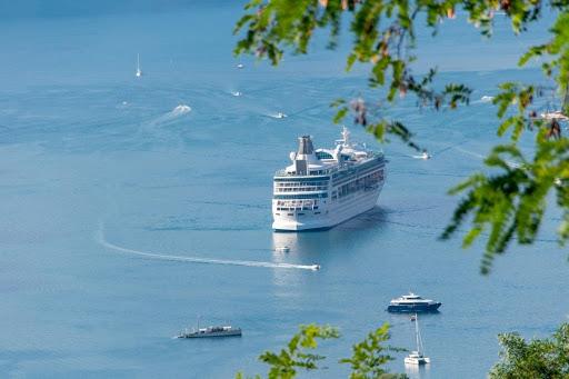 Cruise In America